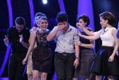 """Vietnam Idol: Giám khảo """"cứu"""" chàng trai 18 tuổi"""