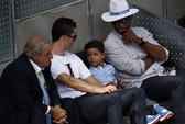 """Tham """"vàng"""", Ronaldo nén đau ra sân"""