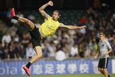 Ibrahimovic ghi bàn kiểu võ sĩ taekwondo ở Hồng Kông