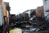 Cháy nhà, vợ chồng ôm 3 con nhỏ nhảy từ lầu 2 thoát thân