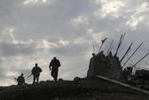 """Ukraine tố xe tăng Nga """"san phẳng"""" một thị trấn"""