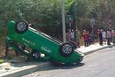 Taxi tông chết vợ chồng người đi xe máy