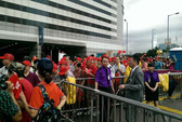 Người Hồng Kông mang quan tài đi biểu tình, đốt