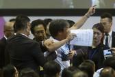 Hồng Kông: Người biểu tình bị xịt hơi cay
