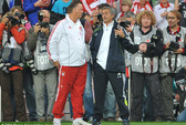 HLV Mourinho háo hức đối đầu với Van Gaal ở Anh