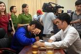 Người nhà cầu thủ Đồng Nai bán độ than khóc khi nghe tin dữ