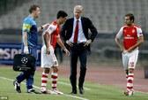 Arsenal vui buồn lẫn lộn trước trận tái đấu Besiktas