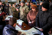 Ukraine bầu cử trong căng thẳng