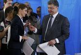Ukraine bầu tổng thống trong bất ổn