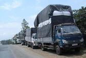 Hàng hóa ách tắc vì xử xe quá tải