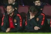 HLV Van Gaal không la hét như ông Ferguson