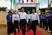 Điện quốc gia thắp sáng đảo Lý Sơn