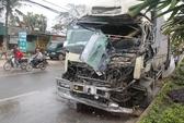 Xe tải gây tai nạn liên hoàn, tài xế mắc kẹt trong cabin
