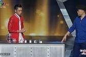 Giám khảo Huy Tuấn hết hồn vì sự cố thí sinh uống nhầm axit
