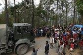 Dân Nepal chờ cứu trợ