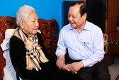 Lãnh đạo TP HCM thăm cán bộ lão thành cách mạng