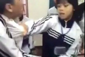 Mâu thuẫn Faceboook, nữ sinh 16 tuổi đánh bạn nam trên lớp