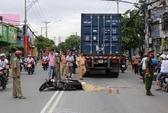 Tai nạn thương tâm, vợ bị xe cán chết trước mắt chồng