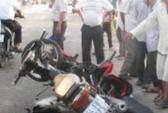Xe tải lao dốc tông 2 xe máy, 1 người chết