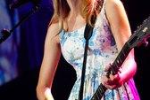 Taylor Swift: Tâm sáng, tài cao