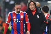 Đội nhà thảm bại, bộ phận y tế Bayern Munich đồng loạt nghỉ việc