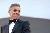 """""""Fan"""" George Clooney hết cửa đeo bám nhà thần tượng"""