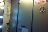 Phạt khách Nhật hút thuốc trên máy bay Vietnam Airlines