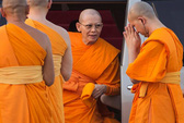 Thái Lan ra lệnh bắt sư trụ trì tham nhũng