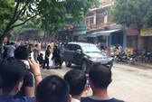 Nhiều tiếng súng nổ khi công an vây bắt 1 người