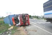 Xe tải và xe container đối đầu, 2 tài xế tử vong