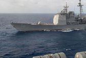 """Khu trục hạm Nga """"giỡn"""" tàu sân bay Mỹ"""