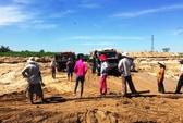 Doanh nghiệp ồ ạt khai thác cát, dân bức xúc chặn xe