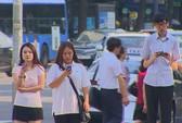"""Nỗi lo """"xác sống điện thoại"""" ở Seoul"""