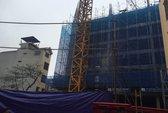 Sập giàn giáo ở Hà Nội: 2 người chết, 4 người bị thương