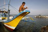 Cho Philippines đánh bắt, Trung Quốc vẫn không buông Scarborough