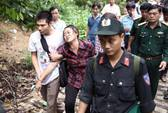 Người nhà khóc ngất khi thấy thi thể 3 sĩ quan tử nạn