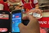 """Nhiều người không biết """"soi"""" thịt heo bằng smartphone là gì!"""