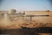 Lính bắn tỉa Anh tiêu diệt đao phủ IS đang hành quyết 12 con tin