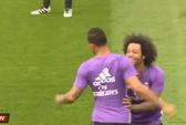 """Bị đồng đội """"xỏ kim"""", Ronaldo nổi giận"""