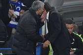 Mourinho tố bị Conte
