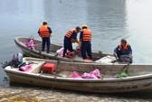 Trắng đêm sục tạo oxy cứu cá ở hồ Hoàng Cầu