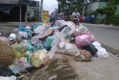 Lề đường hay bãi rác?