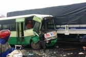 Xe buýt tông xe khách, nhiều người bị thương hoảng loạn kêu cứu