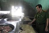 Ớn lạnh 700 kg ruột heo hôi thối sắp được đưa vào quán nhậu ở miền Tây