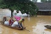 Thủy điện xả lũ quá nhanh, hàng chục ngàn nhà dân ngập