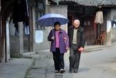 """Trung Quốc """"xuất khẩu"""" người già"""