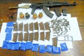 """9X sắm cả """"kho"""" súng AK, lựu đạn để buôn 2.600 viên ma túy"""