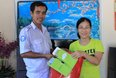 Trả lại khách Việt kiều 30 triệu bỏ quên trên taxi