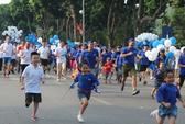 1.200 người chạy trên phố đi bộ hồ Gươm