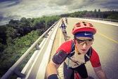 Đạp xe 1.600 km gây quỹ mổ tim cho trẻ em Việt Nam